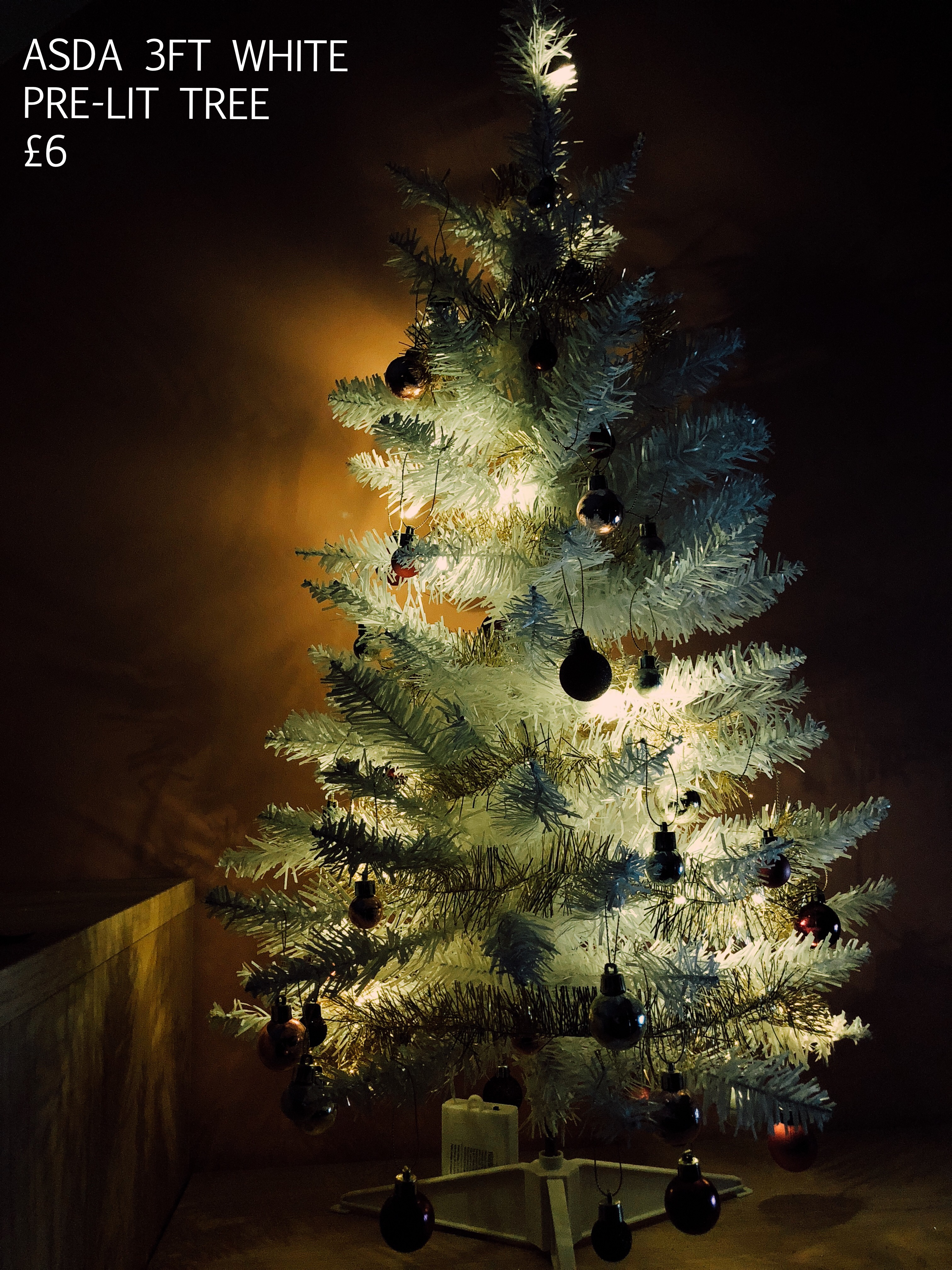 CHRISTMAS HOMEWARE