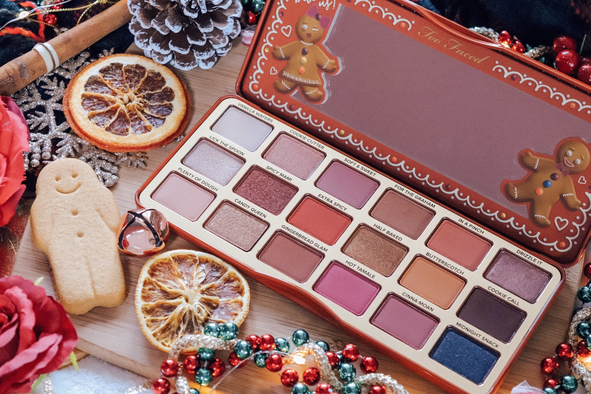 TOO FACED GINGERBREAD EXTRA SPICY PALETTE – REVIEW & SWATCHES